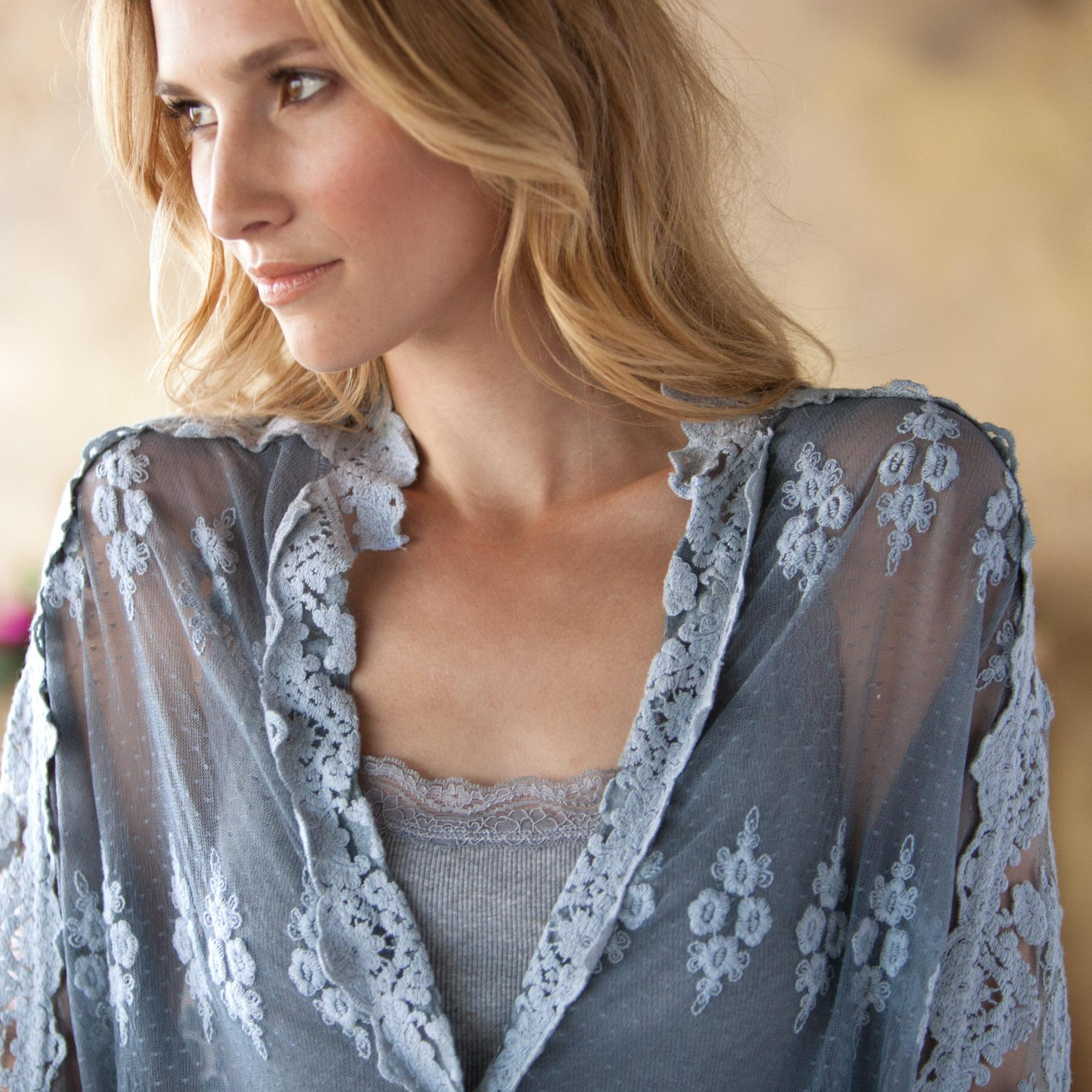 ENCHANTED LACE BLOUSE: View 3