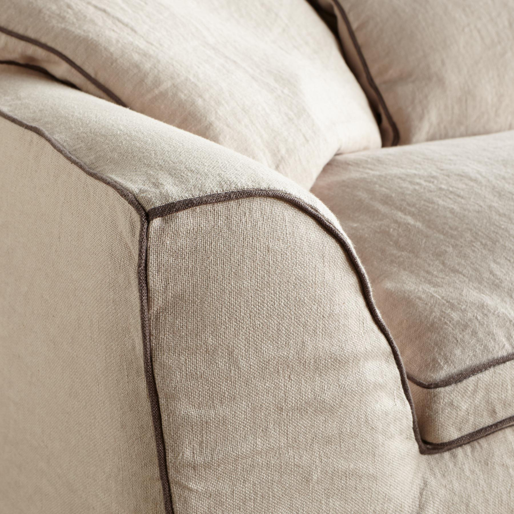 HARPER SLIPCOVER SOFA: View 3
