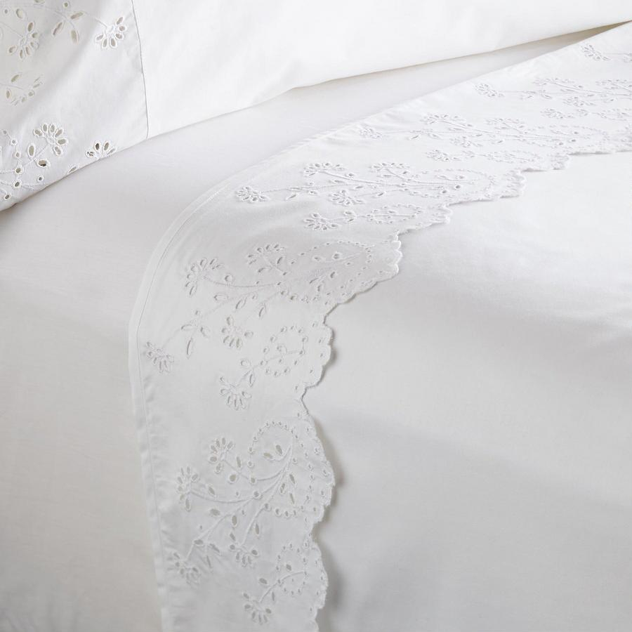 ELYSIAN EYELET SHEET SET