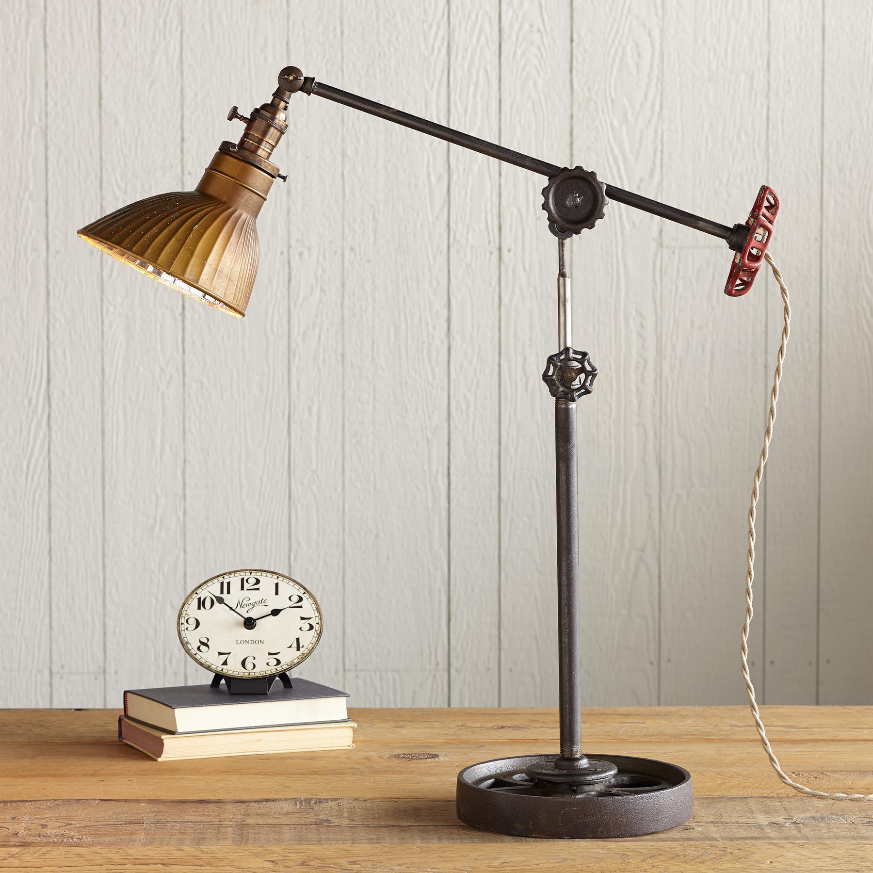 ROCKLAND HARBOR LAMP: View 1