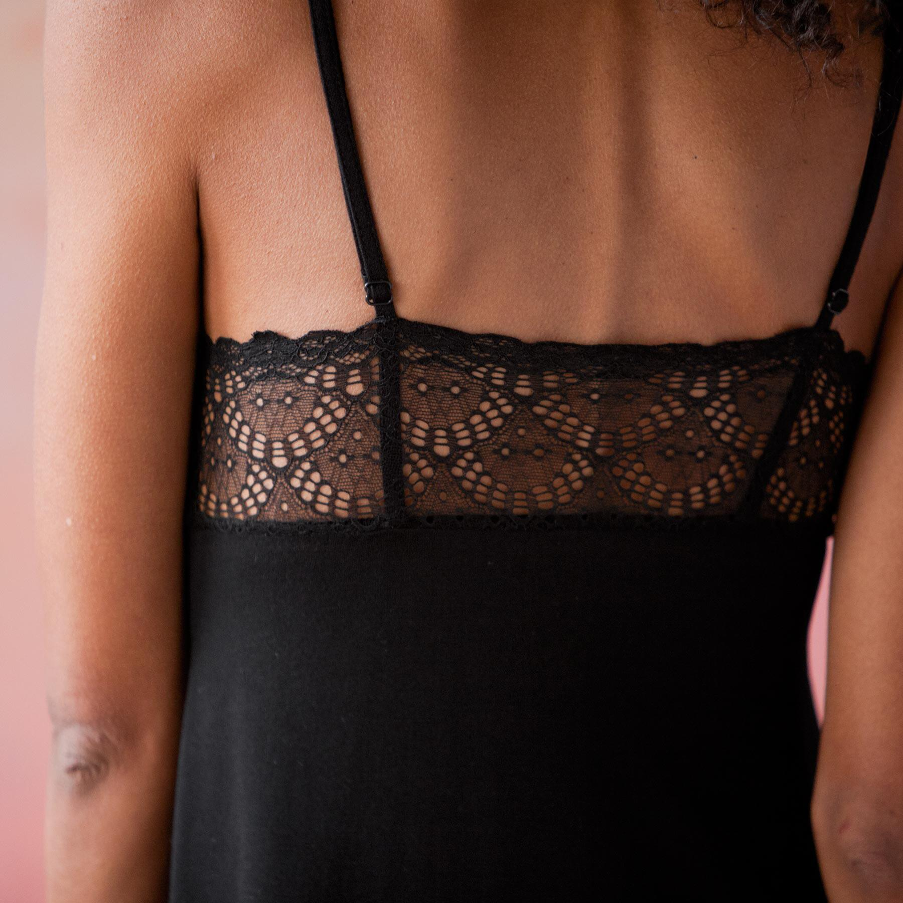 MIDNIGHT LACE MAXI DRESS: View 2
