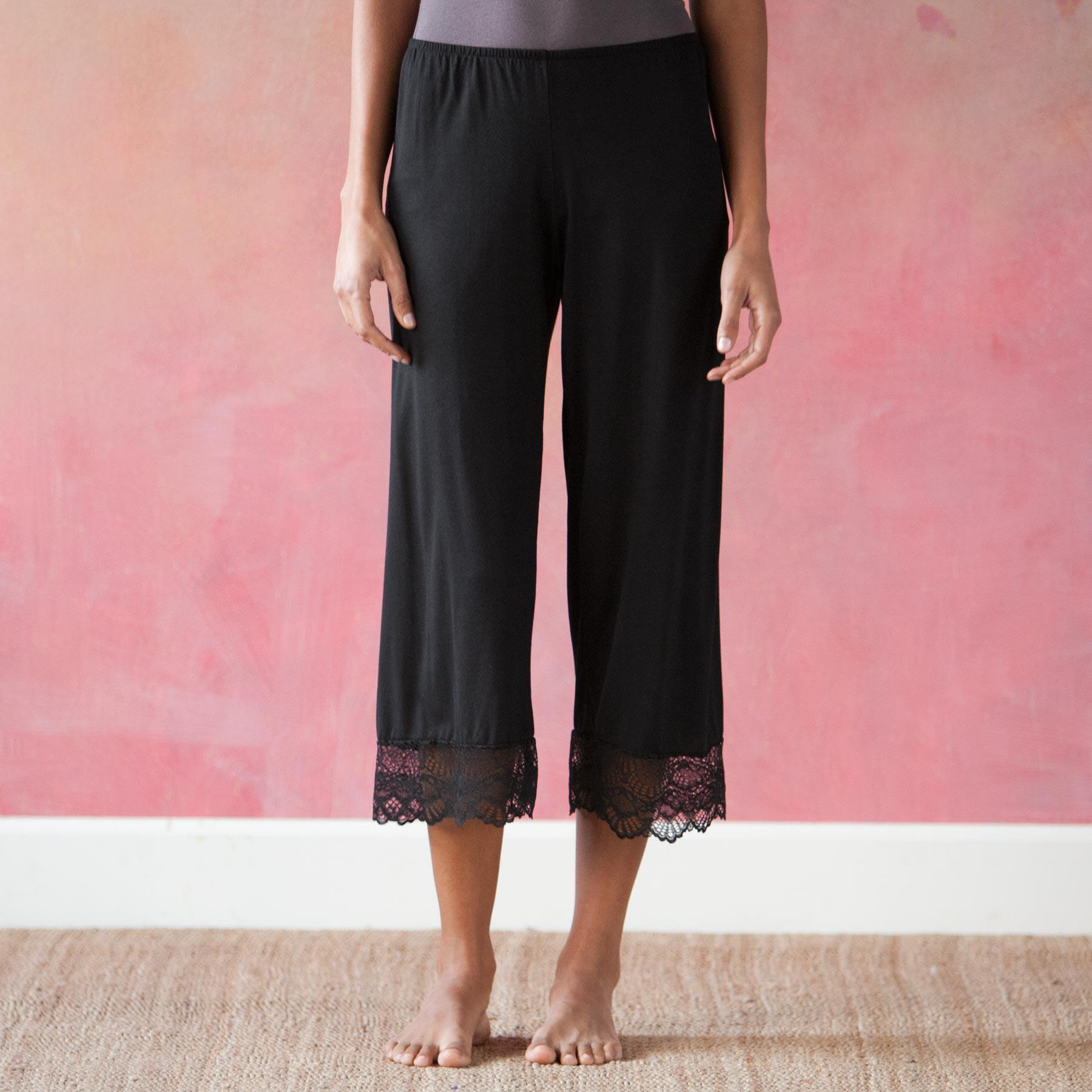 LACE-EDGED LOUNGE PANTS: View 1