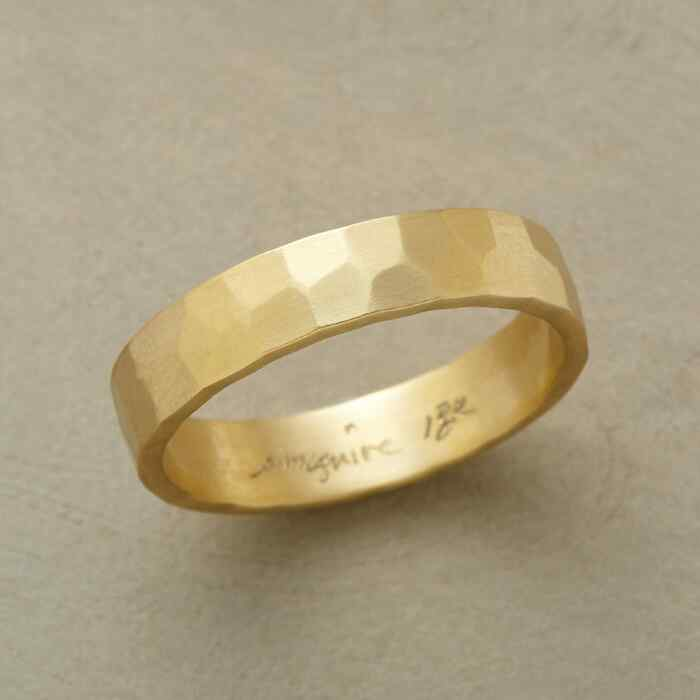 GLINTING GOLD BAND