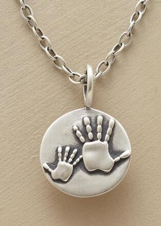 MOTHER & CHILD HANDPRINTS NECKLACE