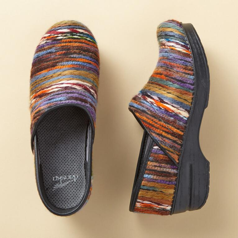 YARN CLOGS