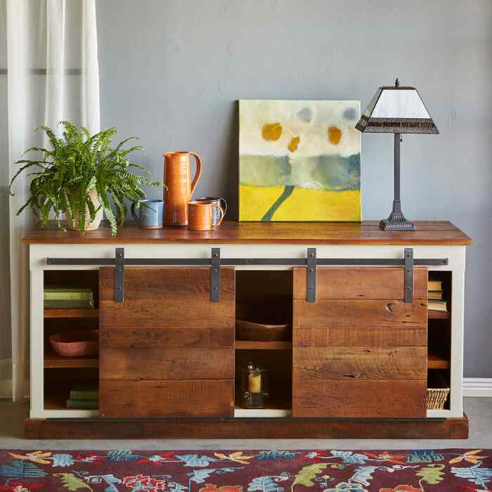 YORKVILLE CONSOLE