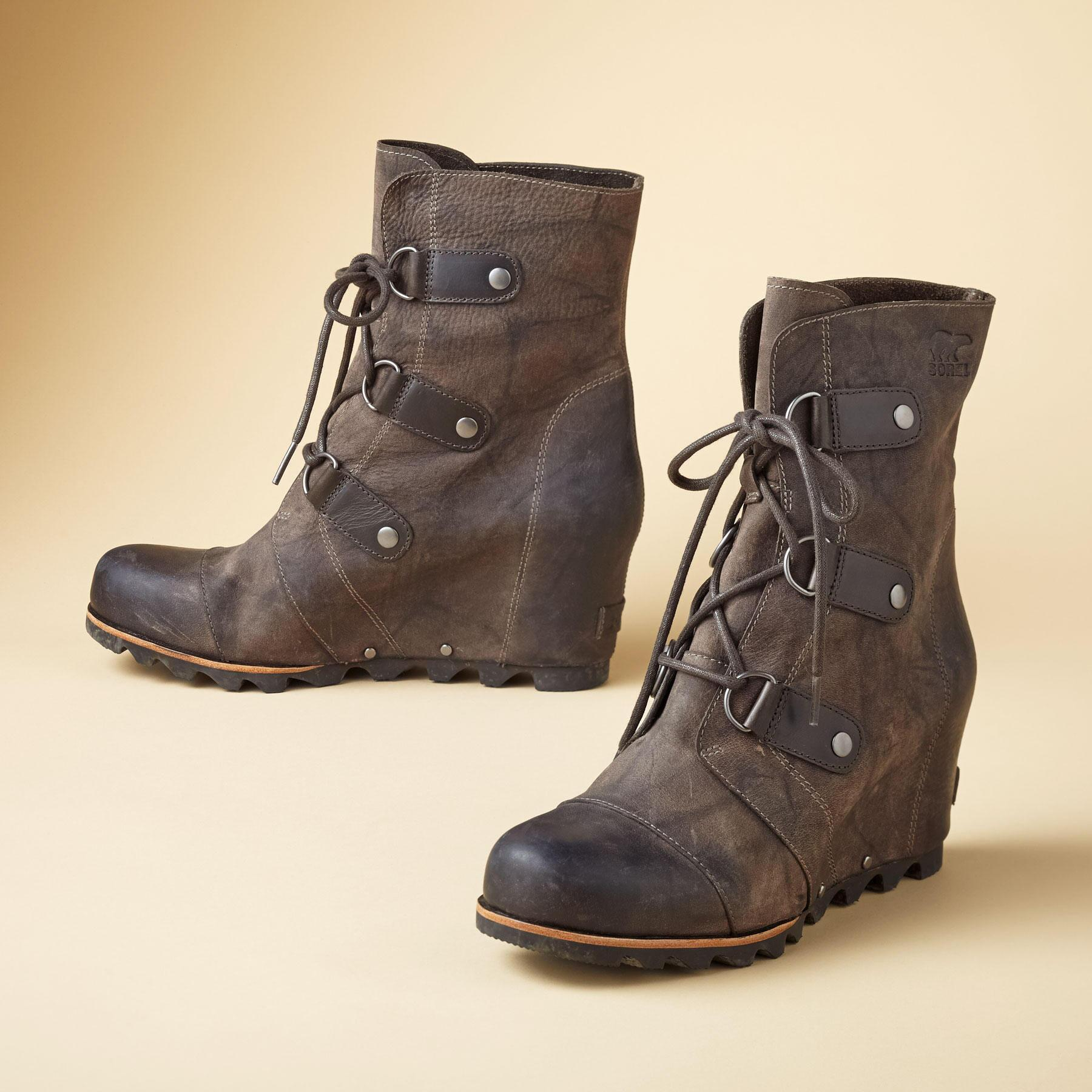 Joan Of Arctic Mid Wedges