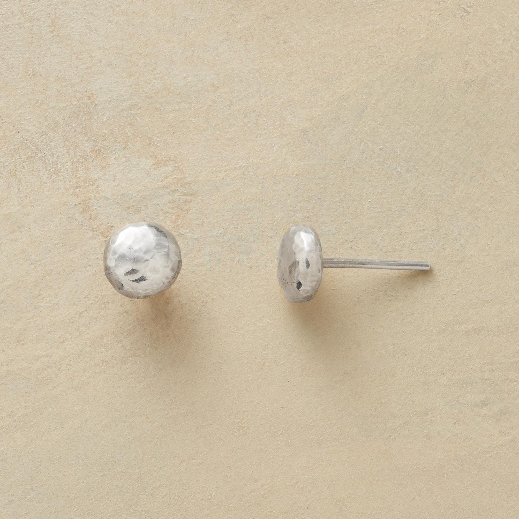 HAMMERED DOT EARRINGS: View 1