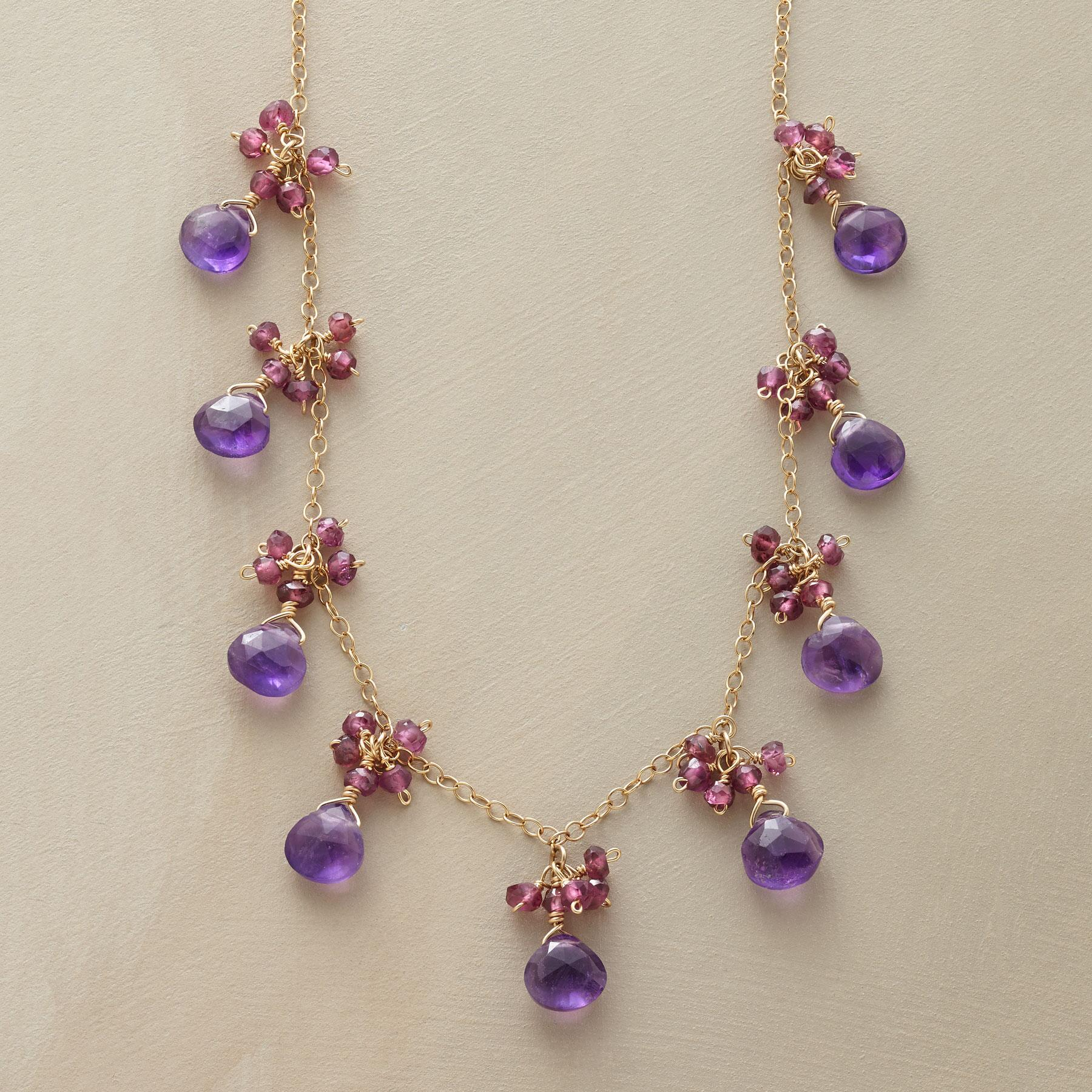 FASCINATION NECKLACE: View 1