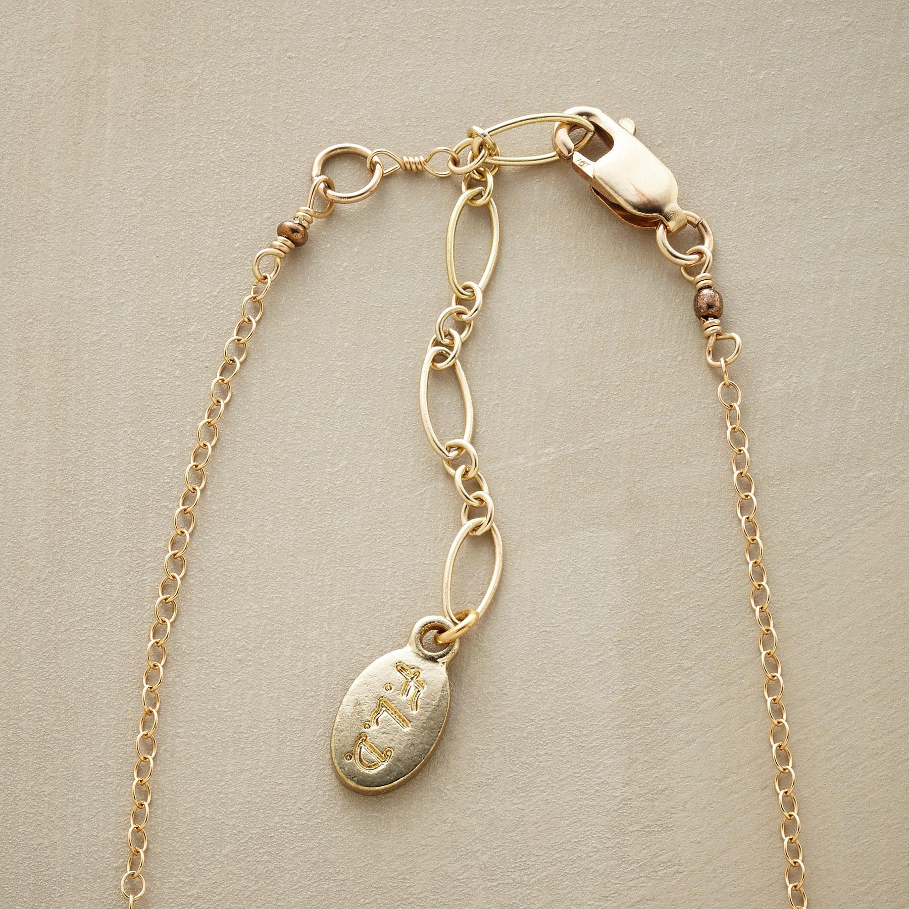FASCINATION NECKLACE: View 3