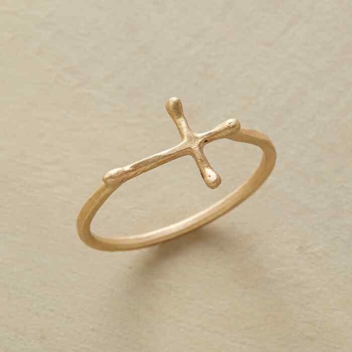 GOLD CROSSWAYS RING