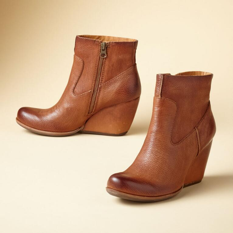 MICHELLE SEMI WEDGE BOOTS
