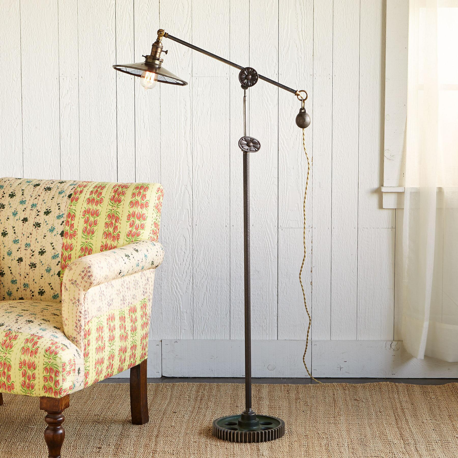 PARAGON LAMP: View 1