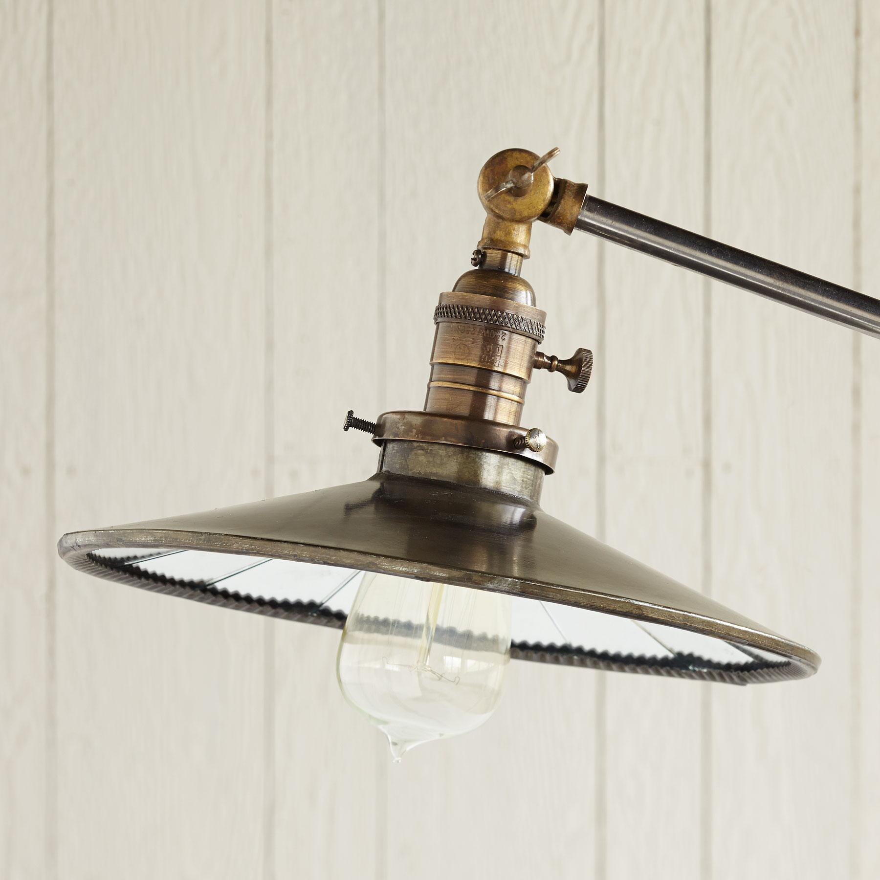 PARAGON LAMP: View 2