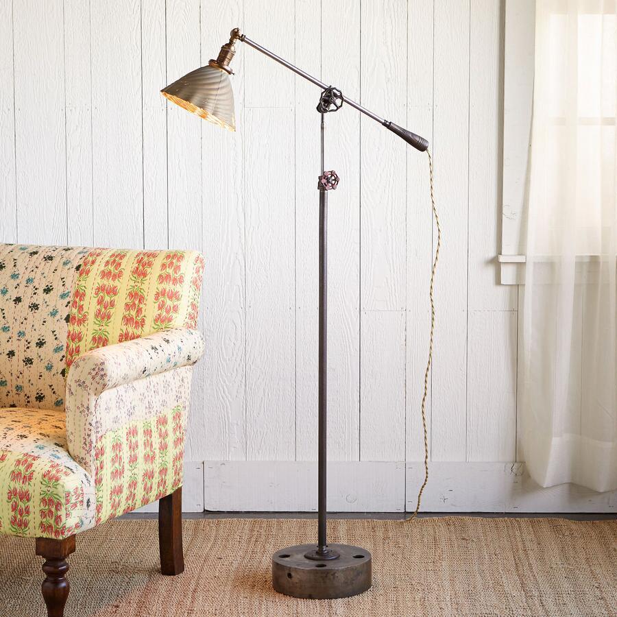 CUMBERLAND GLASS LAMP