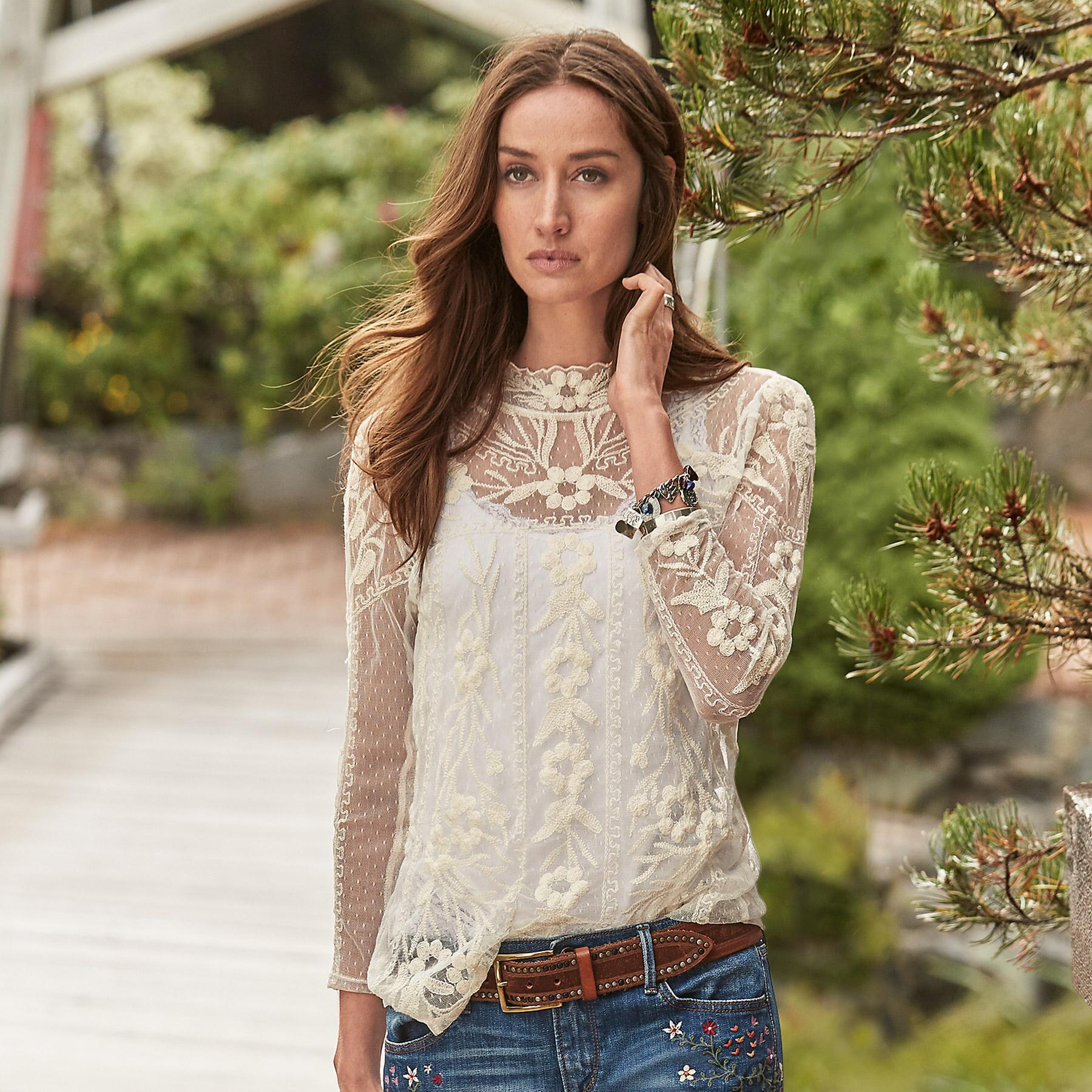 DREAMSCAPE LACE TEE: View 1