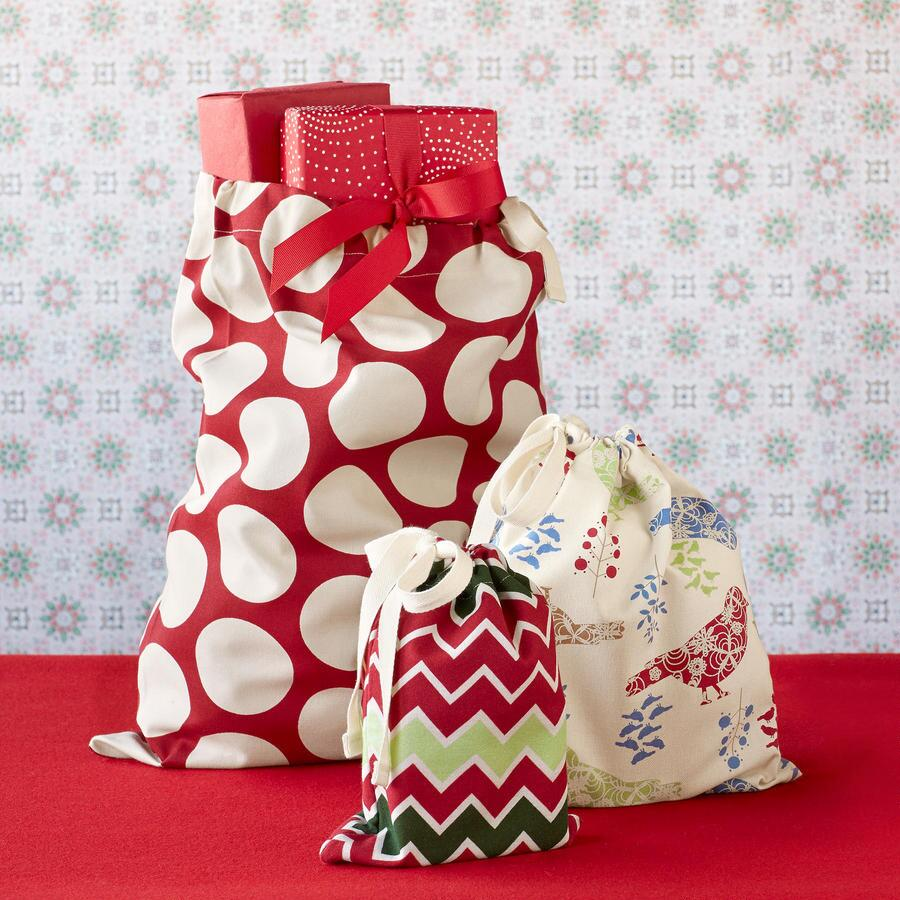 GOOD ELF FABRIC GIFT BAGS, SET OF 3