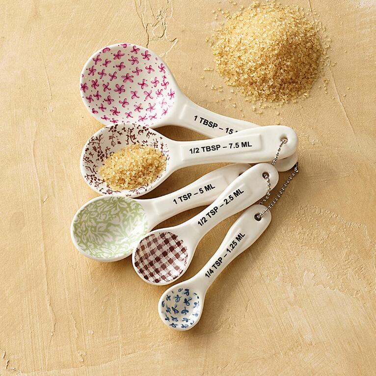 TASTEFUL MEASURING SPOONS, SET OF 5