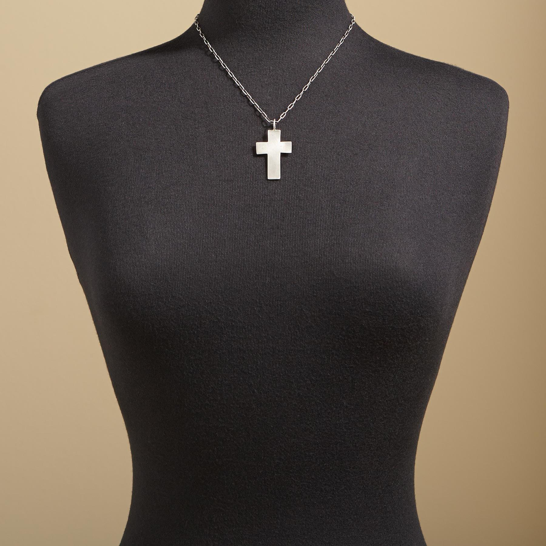 ICONIC CROSS NECKLACE: View 3