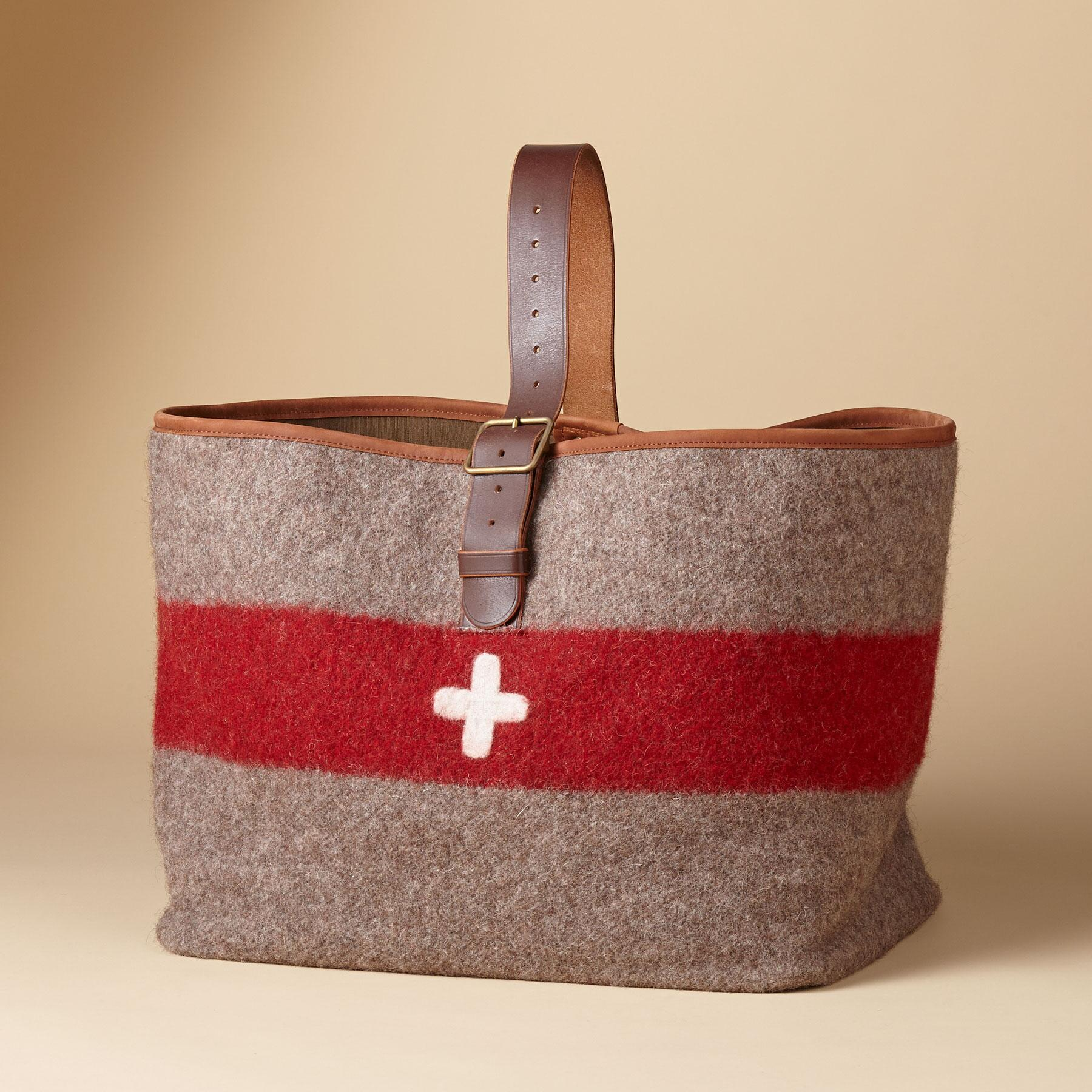 SWISS ARMY CARRYALL: View 1