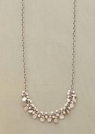 FINELY FRILLED NECKLACE