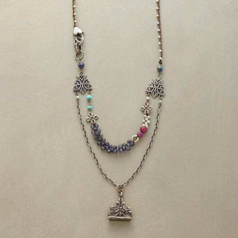 COLLECTORS NECKLACE