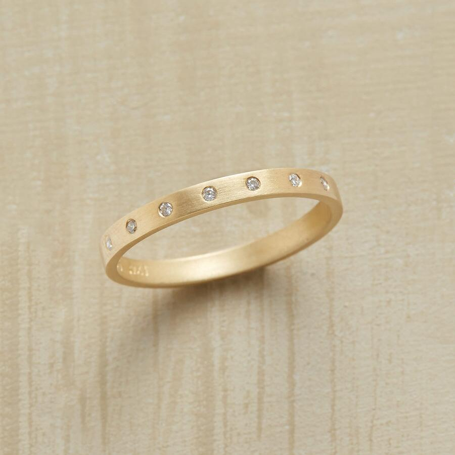 ELEGANTE DIAMOND RING