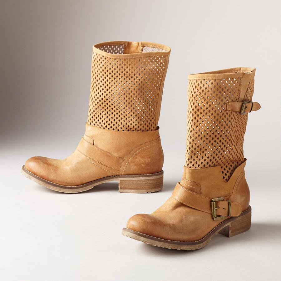 BELCAMPO BOOTS