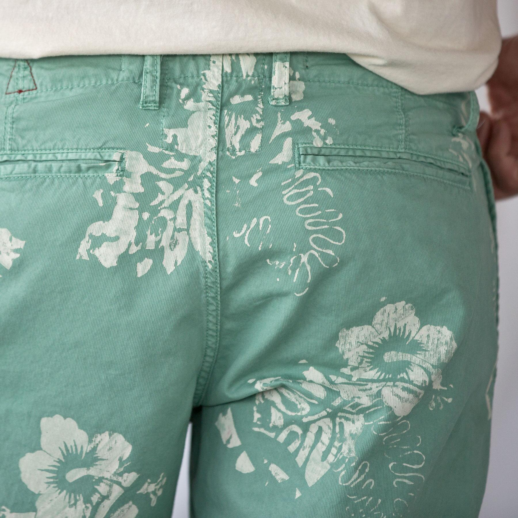 ST. BARTS HIBISCUS PINWALE SHORTS: View 3