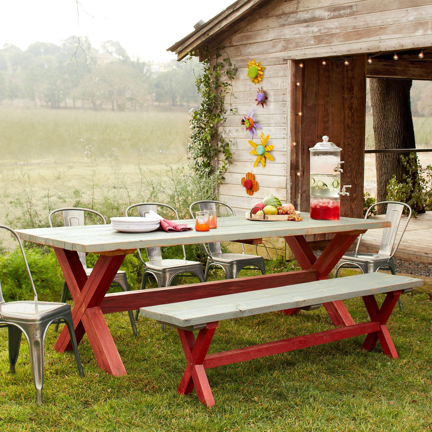 GUERNSEY FARMS OUTDOOR DINING TABLE: View 1