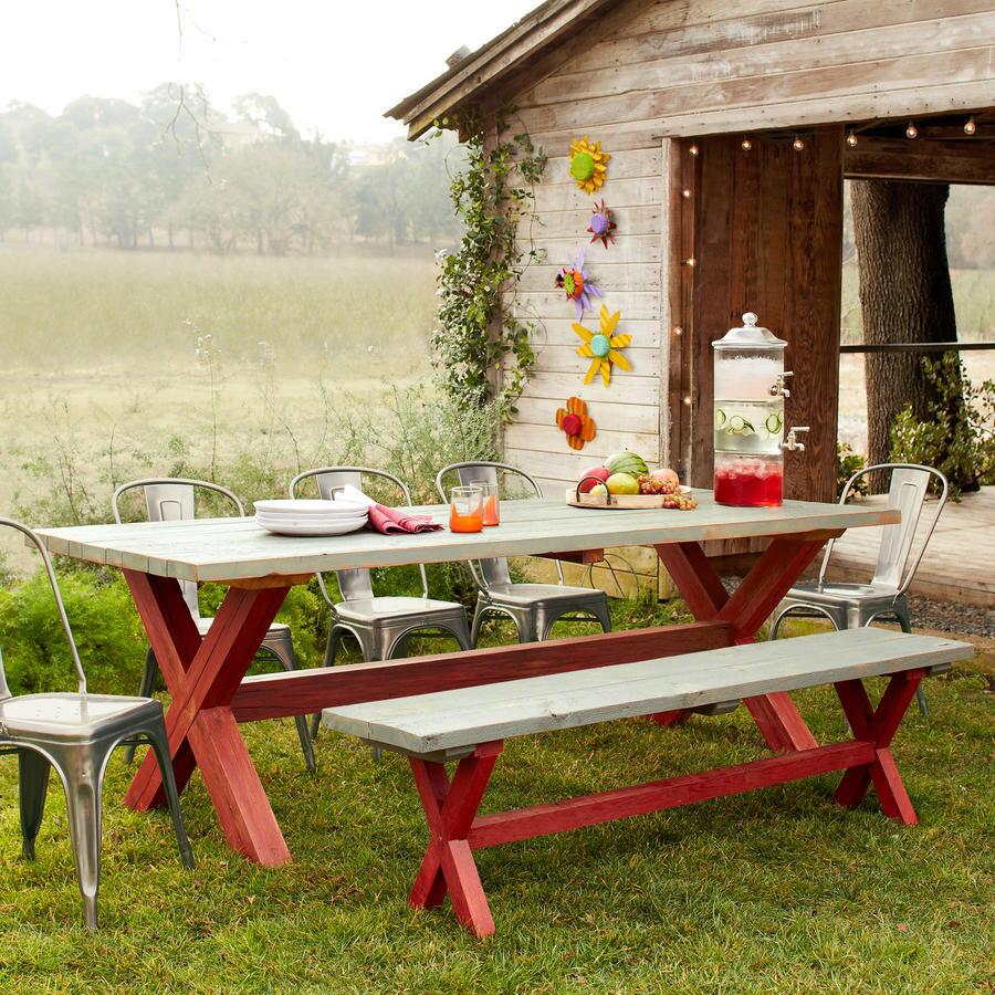 GUERNSEY FARMS OUTDOOR DINING TABLE