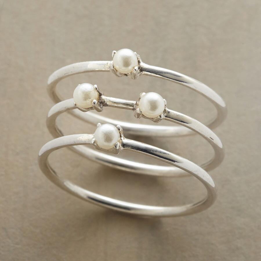 PEARLS IN PRONGS RING TRIO