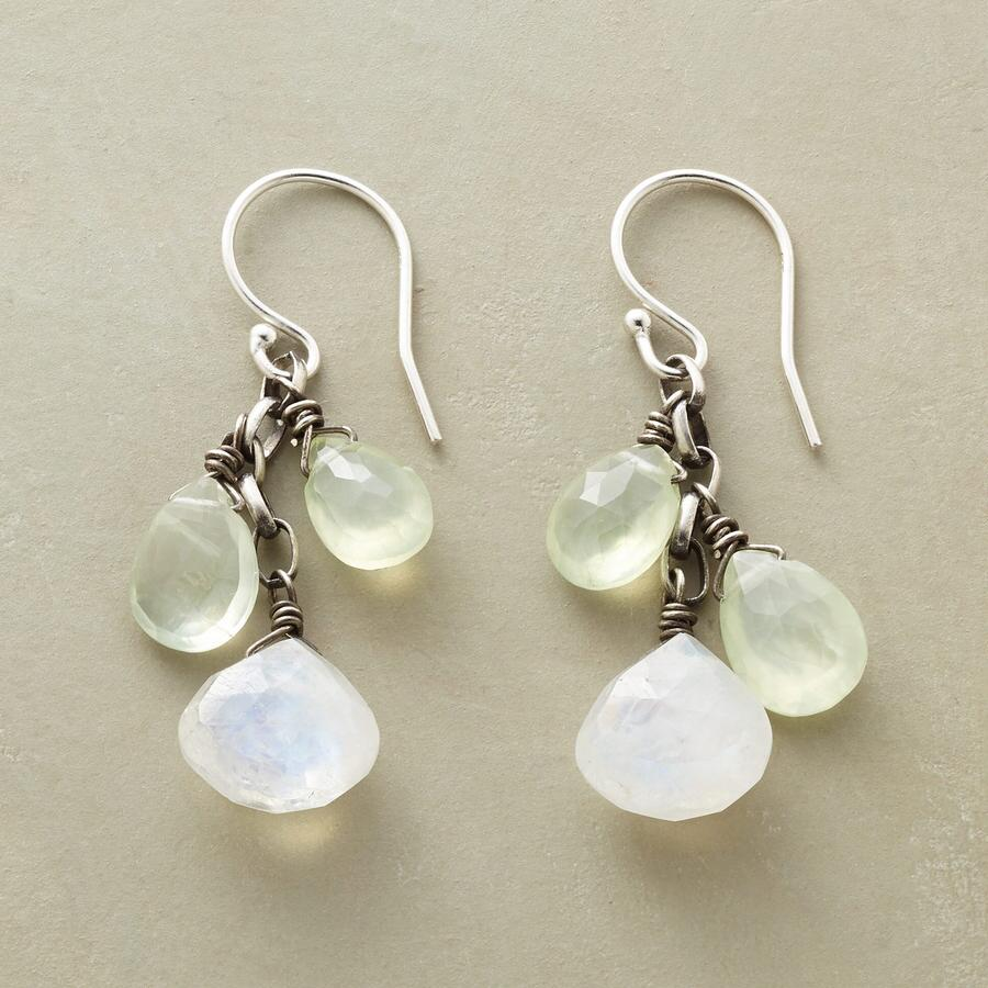 PALE PETAL EARRINGS