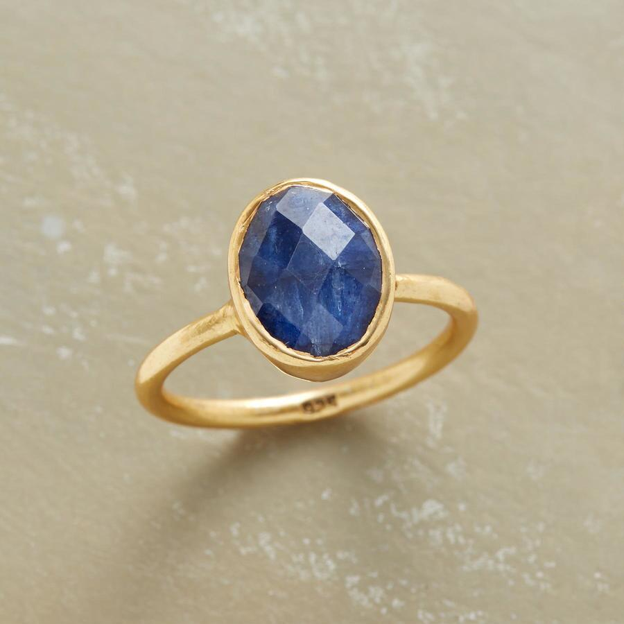 SKYRISE SAPPHIRE RING
