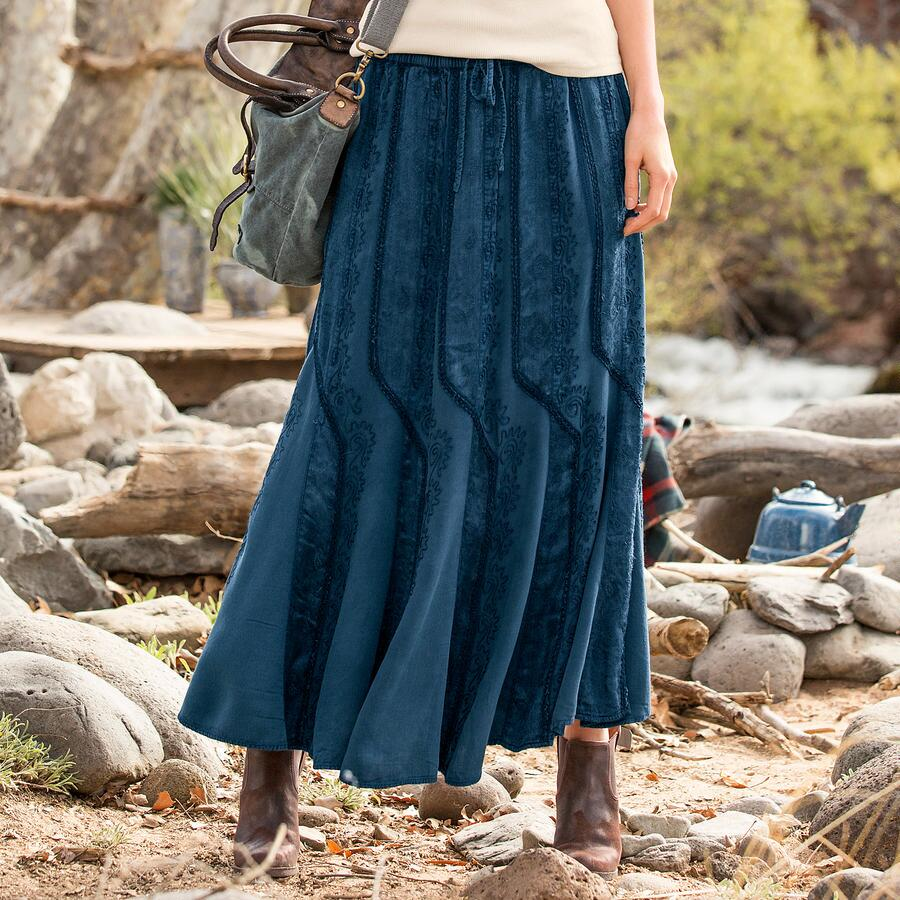 GENTLE LONGITUDES SKIRT