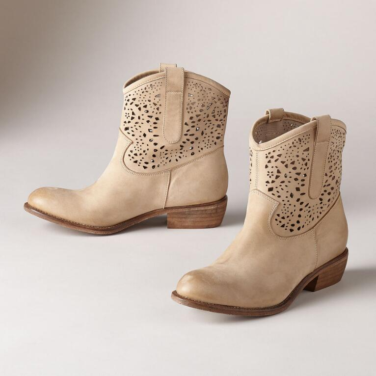 Peek-a-Boots