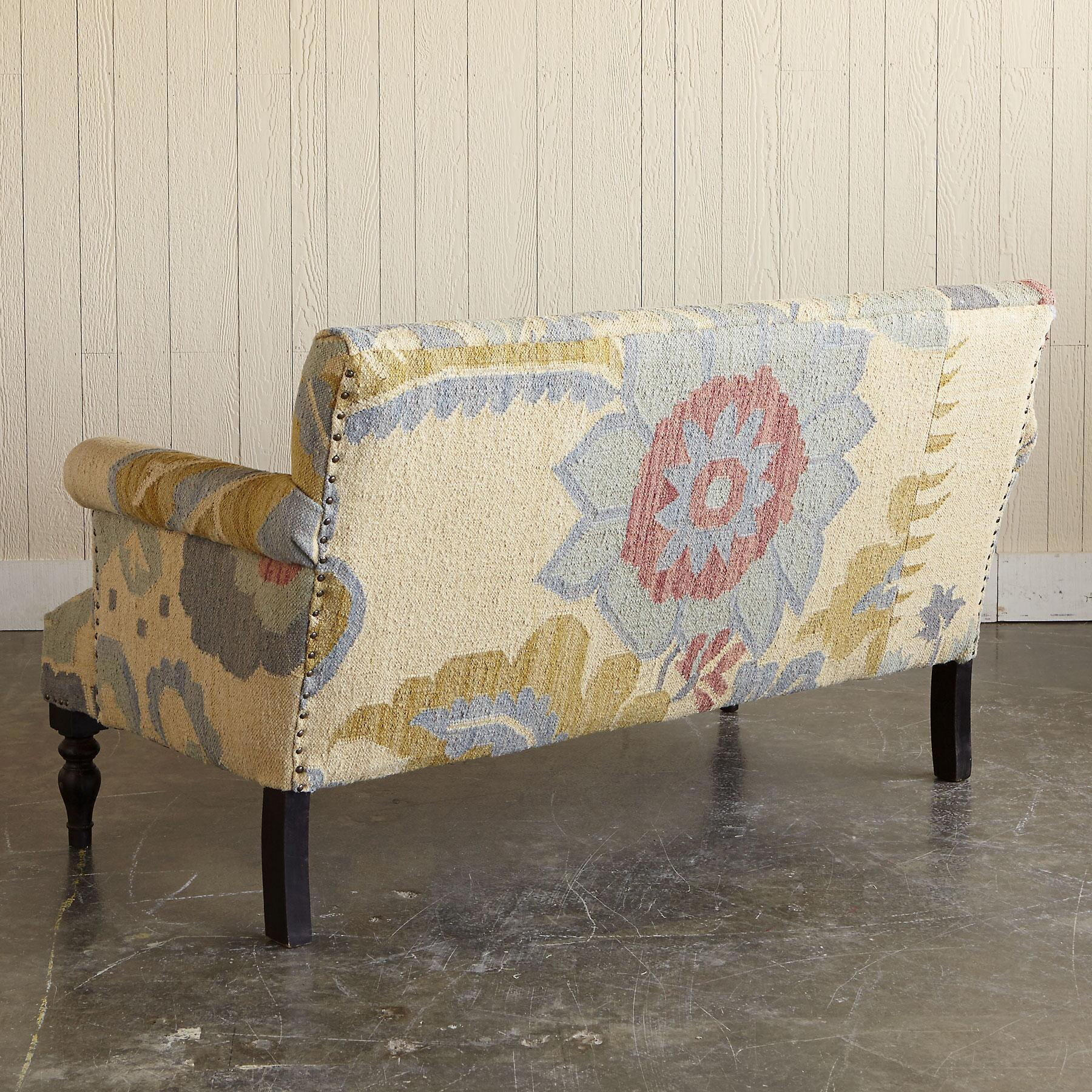 PASSION FLOWER KILIM LOVESEAT: View 3