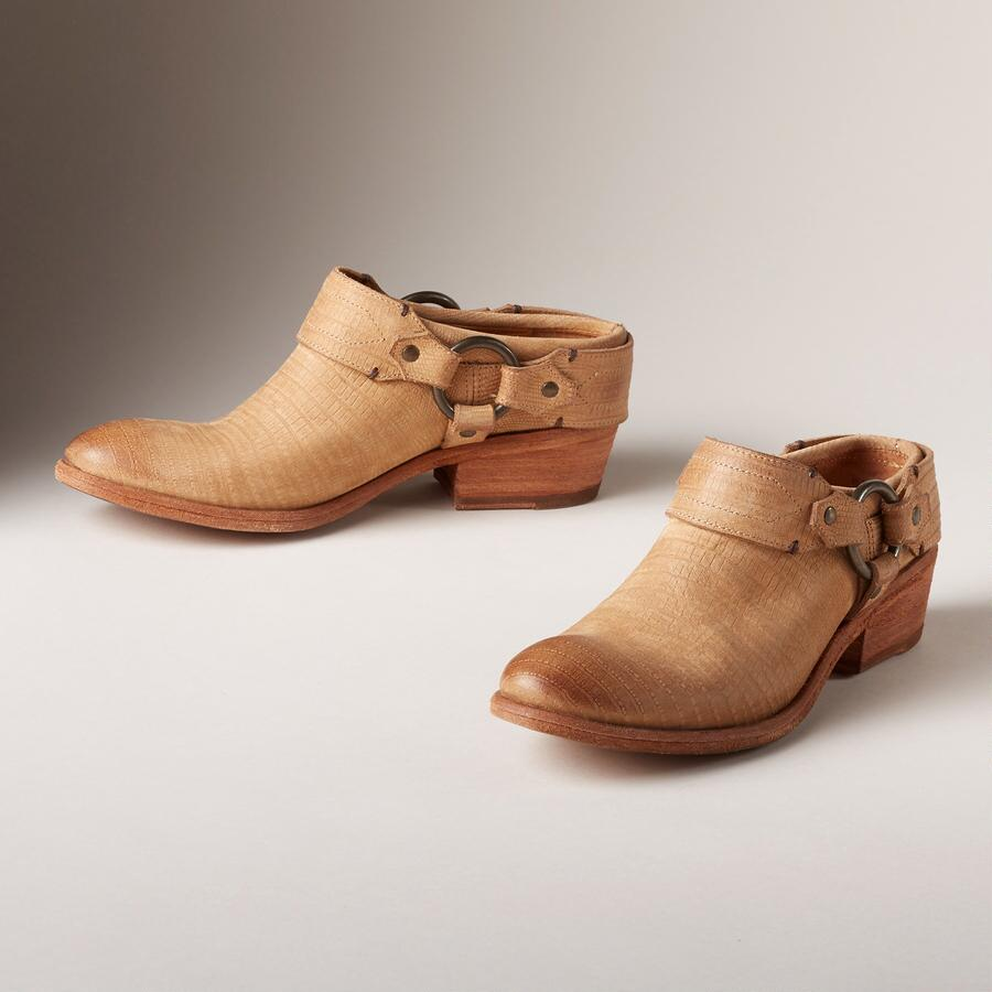CARSON CLOGS BY FRYE