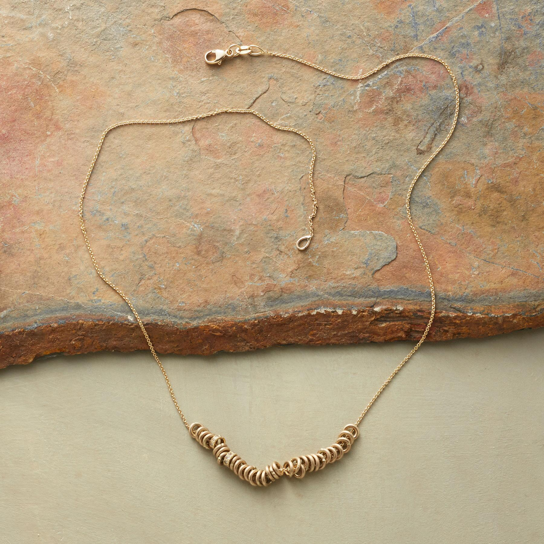 SECOND LOOK NECKLACE: View 2