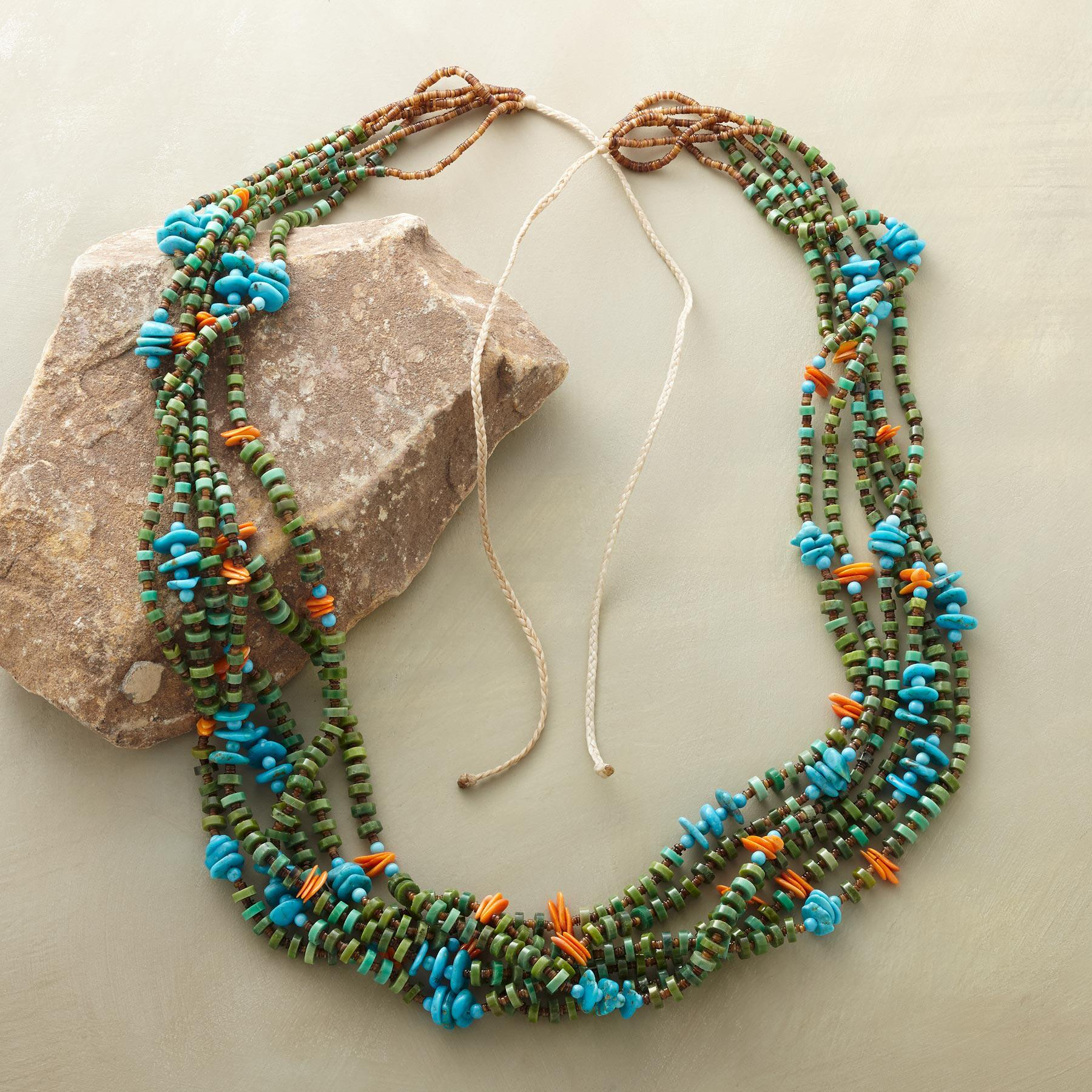 TURQUOISE SANTO DOMINGO PUEBLO NECKLACE: View 2