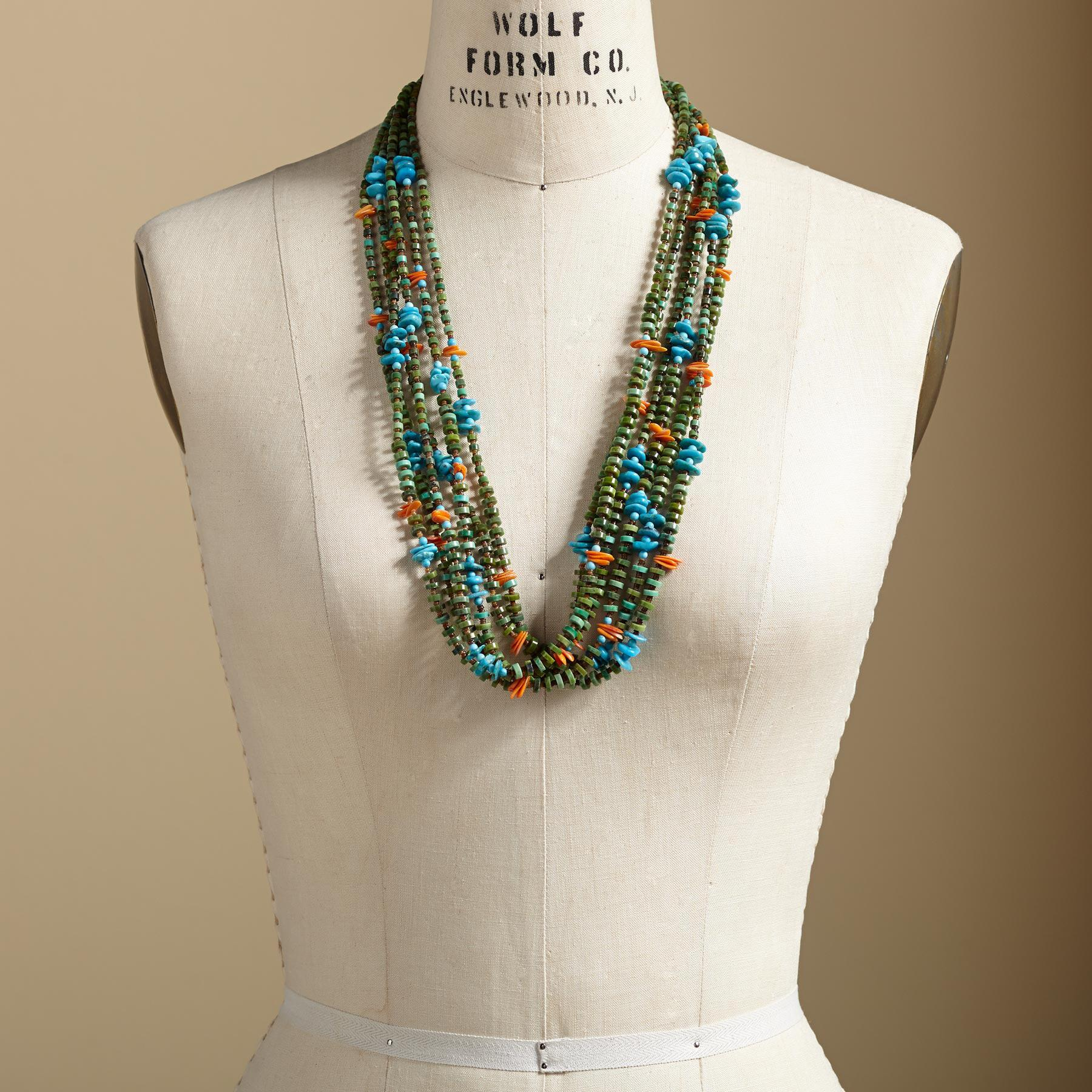 TURQUOISE SANTO DOMINGO PUEBLO NECKLACE: View 4
