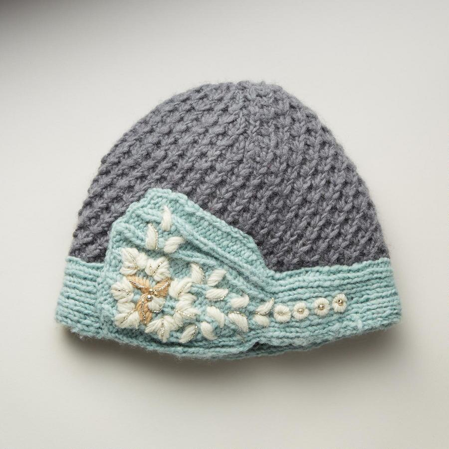 EDITHS STITCHES HAT