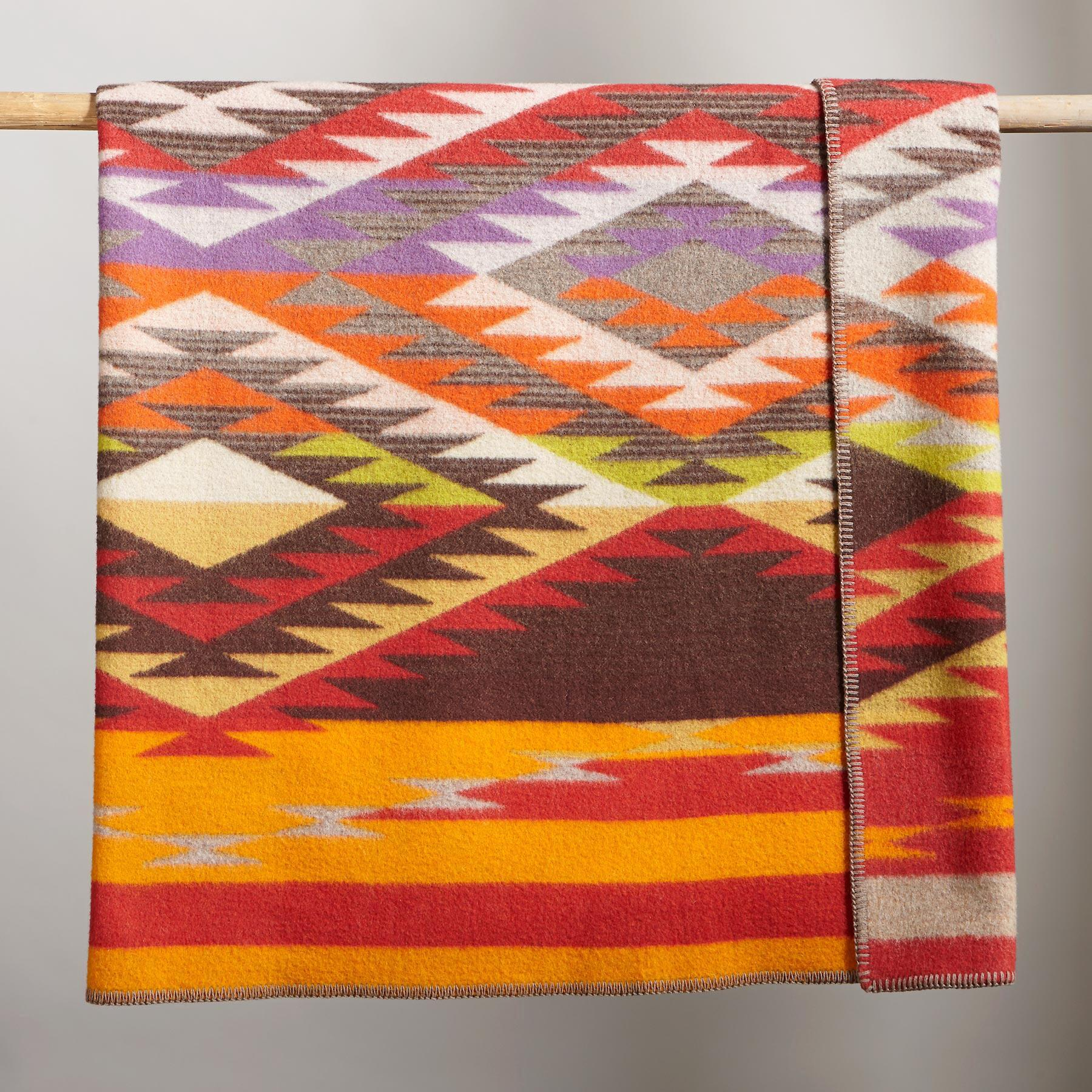 PENDLETON CREEKSIDE THROW: View 2