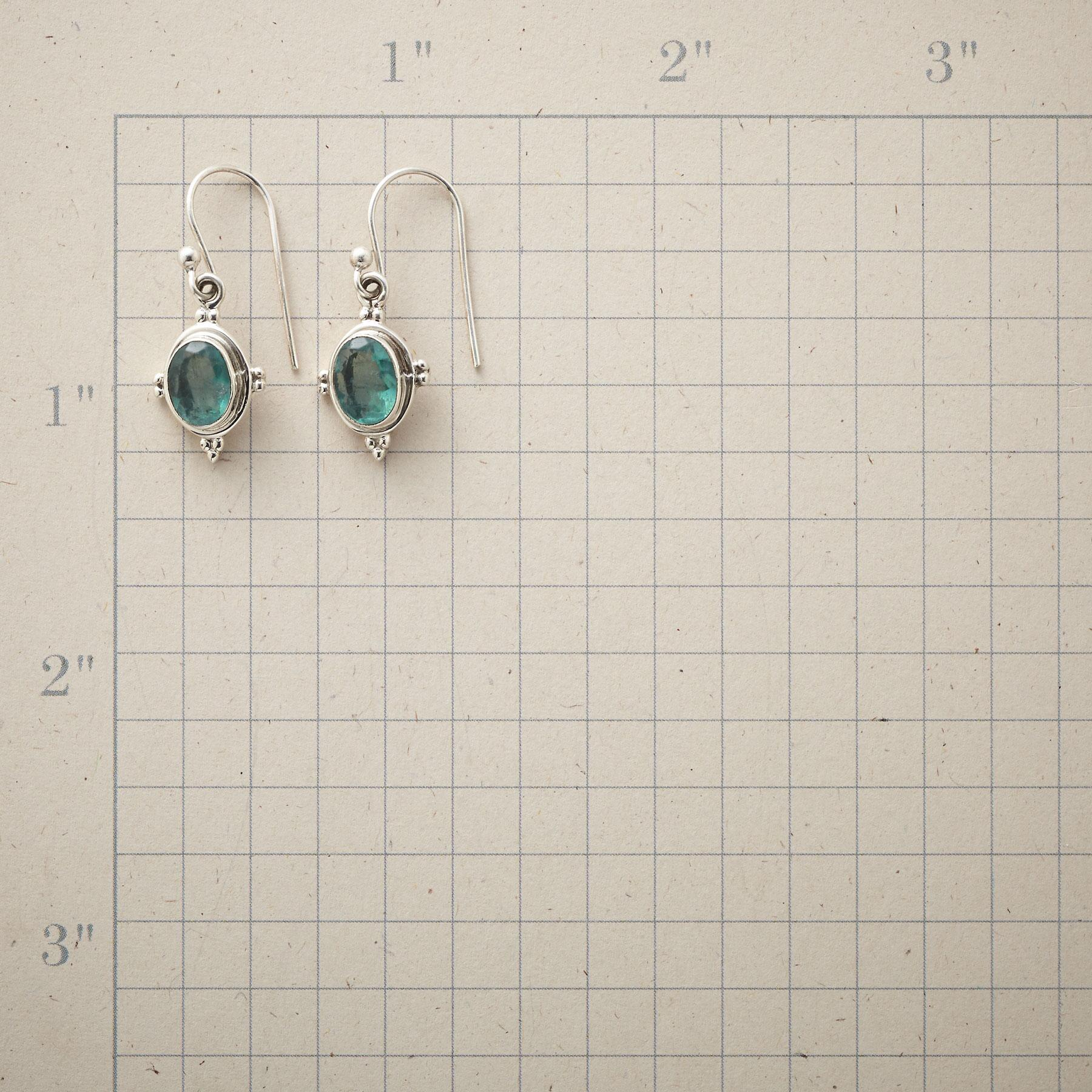 FOUR POINTS EARRINGS: View 2