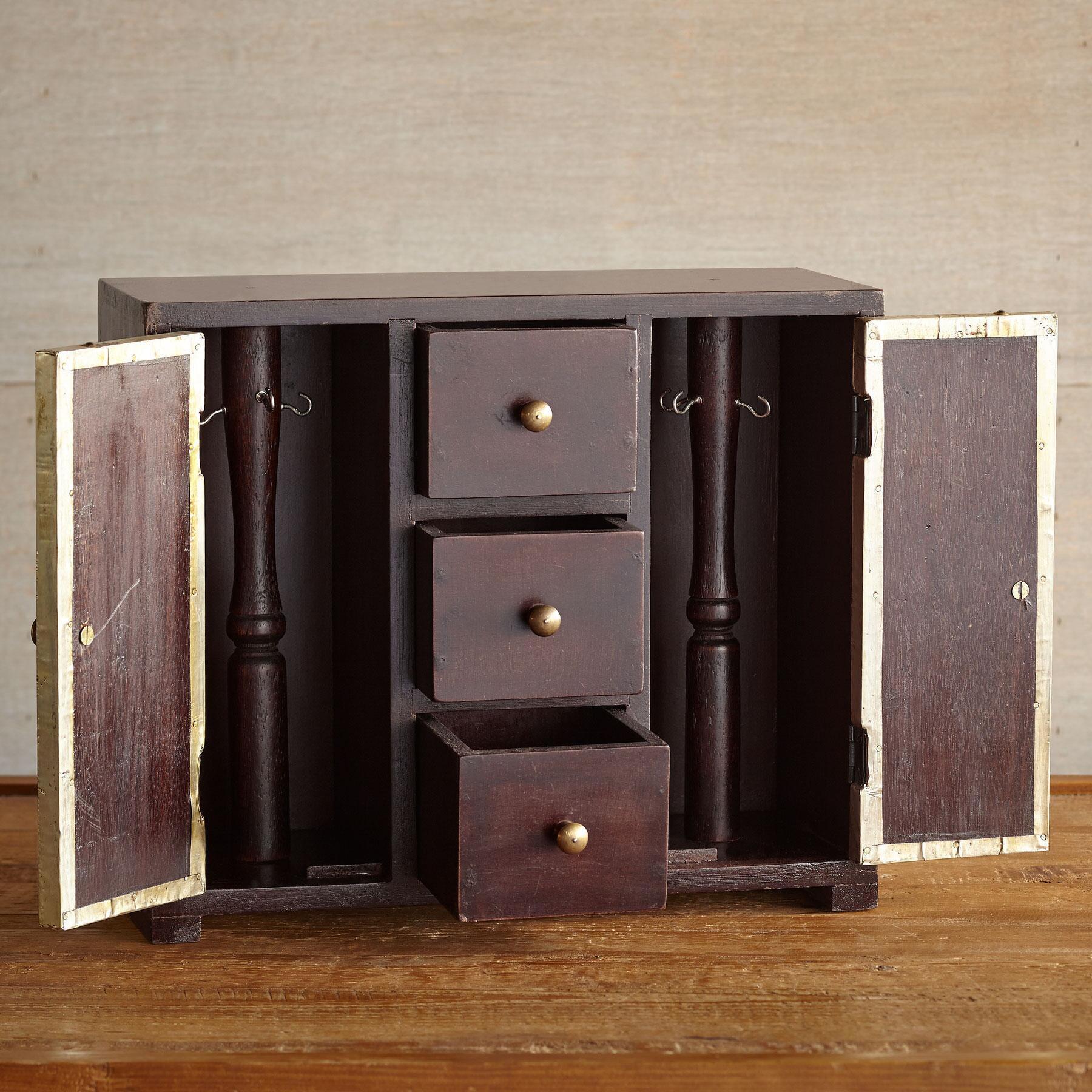 STAMPED TIN JEWELRY BOX: View 2