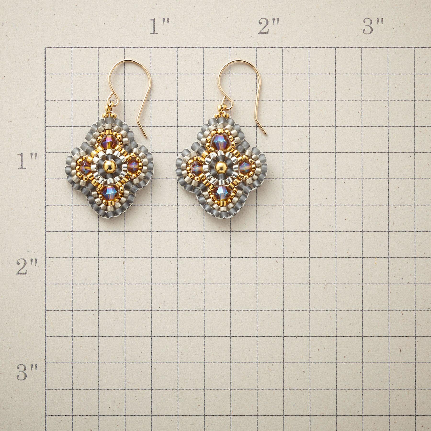 LA LUZ EARRINGS: View 2