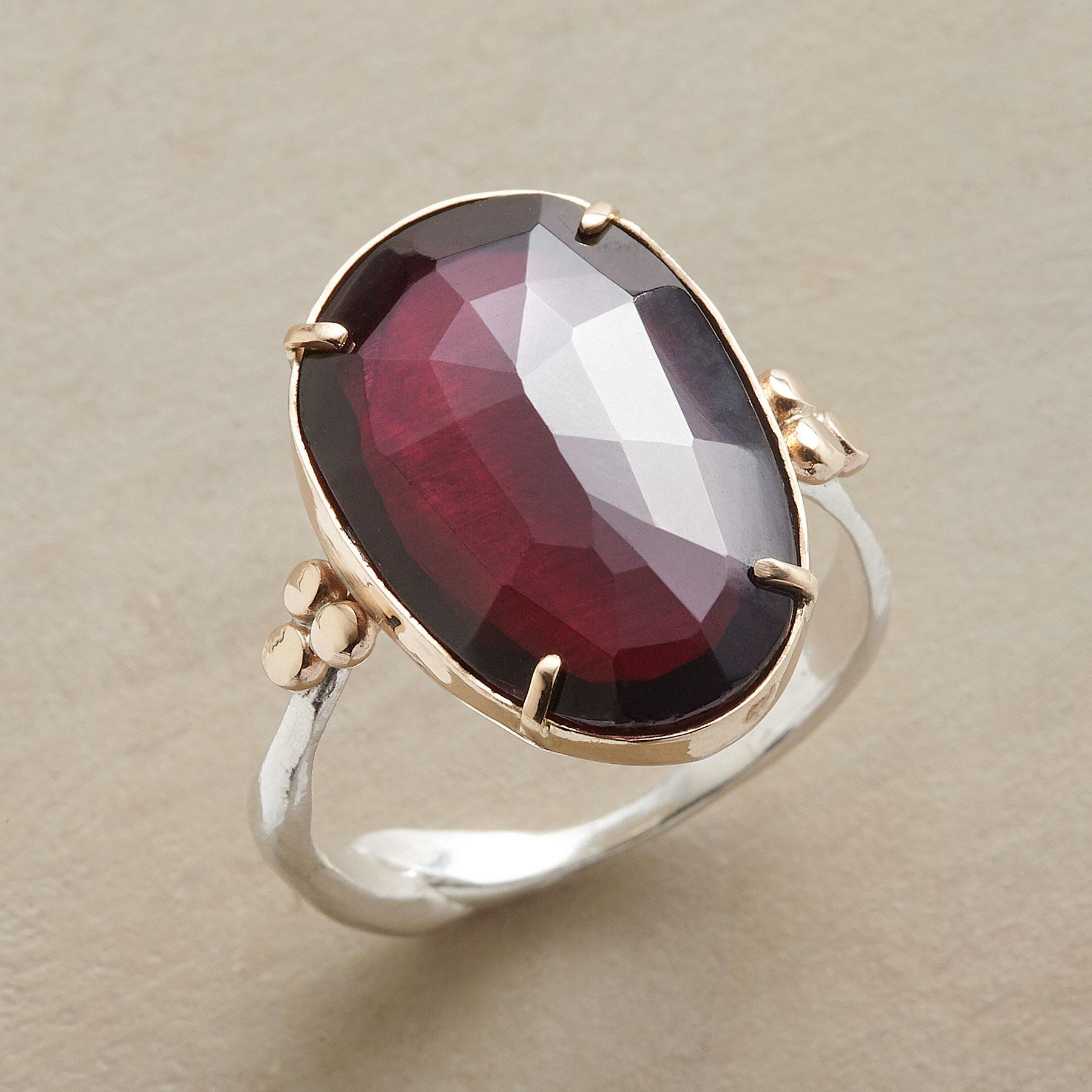 PLUM PRETTY RING: View 1