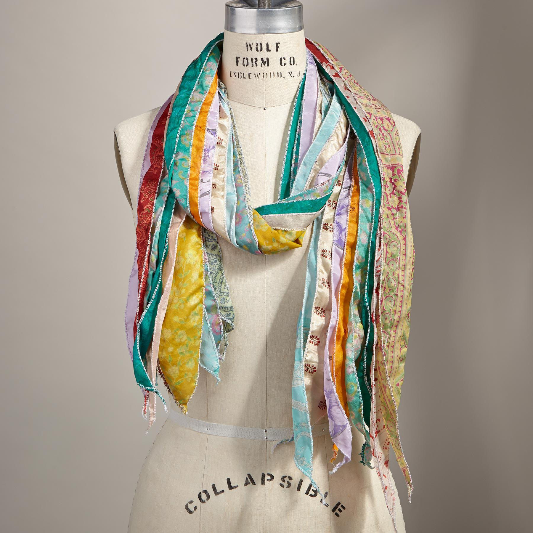 LAYERS OF LOVELY SCARF: View 2