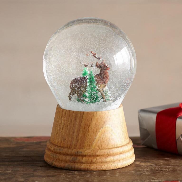 WITNERSCAPE SNOW GLOBE - DEER