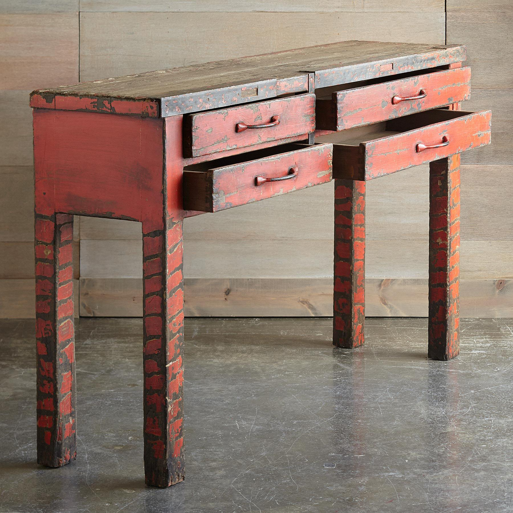 KRISTOF SILVERSMITH CONSOLE: View 2